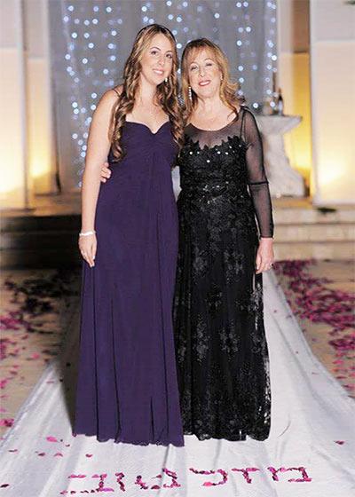 לקוחות לובשות שמלות ערב ישראלה קריבושי 22